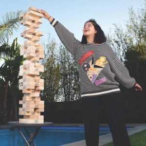playing-jenga-js7
